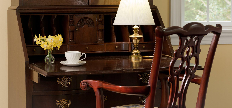 Clydesdale Suite desk