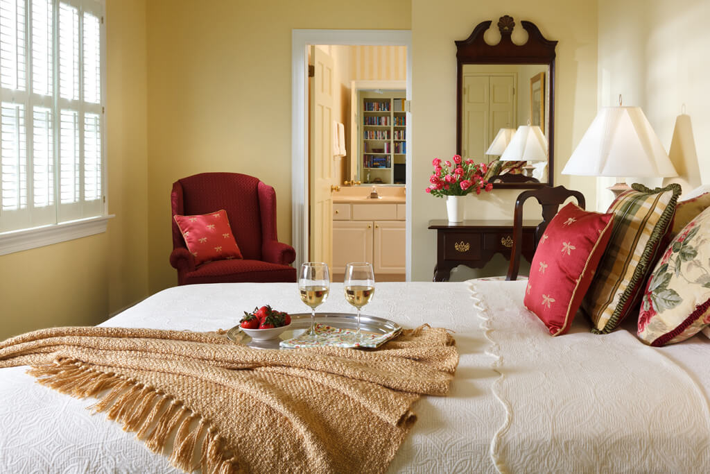 Wine and berries at PA country bed and breakfast romantic room
